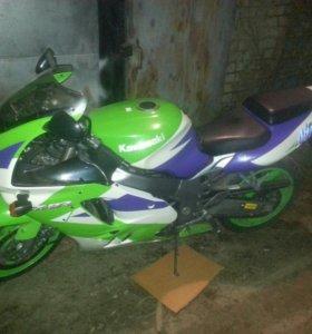 Kawasaki ninja zx 9 r