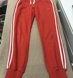 Продам оригинальные спортивные штаны Адидас