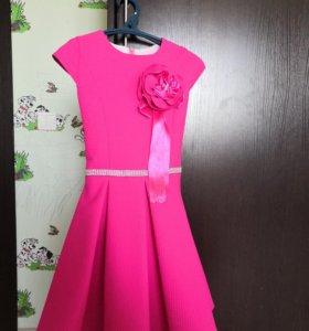 Платье 130-140 см.