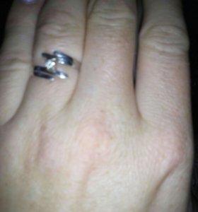 Два кольца, серёжка