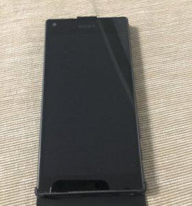Телефон Sony Xperia Z5 compact E5823