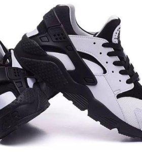Nike AIR huarache RUN white black