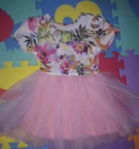 Платье нарядное для девочек на год-полтора
