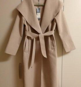 Итальянское пальто, новое, размер универсальный