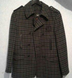 Пальто для мальчика 12-14 лет фирмы Tugi