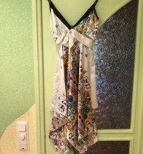Платье белое с узором