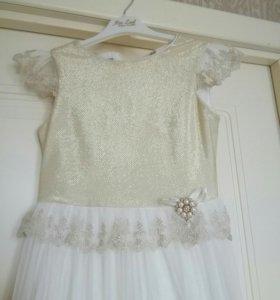 Платье на девочку 9-10 лет.
