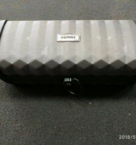 Портативная колонка REMAX RB-M12