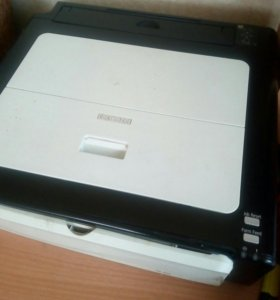 Принтер чёрно-белый.