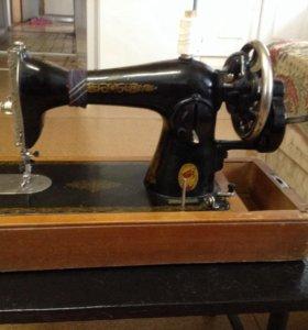 Машинка швейная Подольского механического завода
