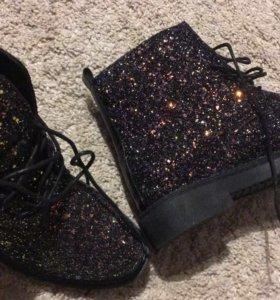 Новые!Ботинки женские