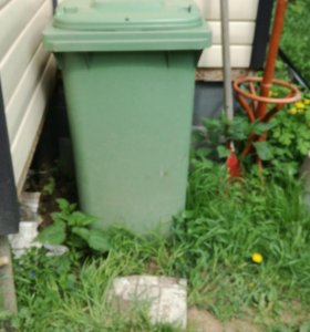 Контейнер пластиковый мусорный