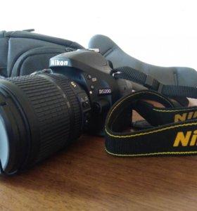 Зеркальная камера Nikon D5200