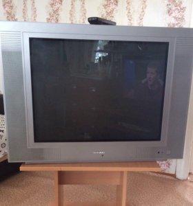 Продам большой телевизор