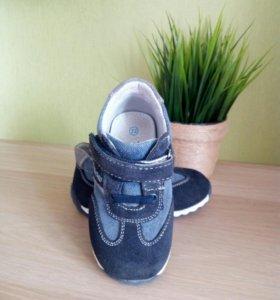 Кроссовки, ботиночки детские, р.22