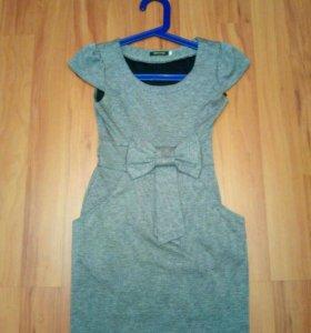 2 платья 42 размер-цена за оба
