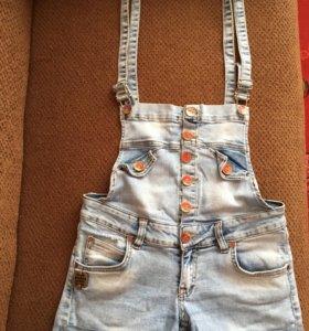 Комбинезон и шорты джинсовые