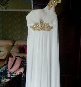Платье  в греческом стиле шлейфовое
