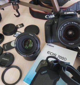 Зеркальный фотоаппарат CANON EOS 700D