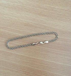 Золотой браслет на руку