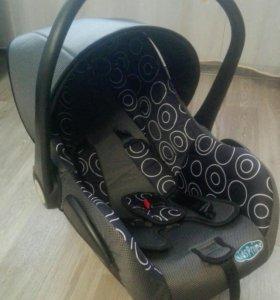 Детское автомобильное кресло-люлька