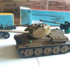 "Танк Т-34 ""Арсенал"" (Модели СССР)"