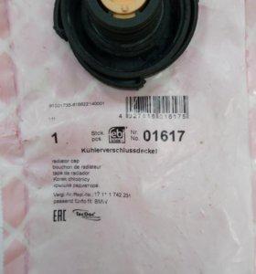 Крышка расширительного бачка (FEBI кат. № 01617)