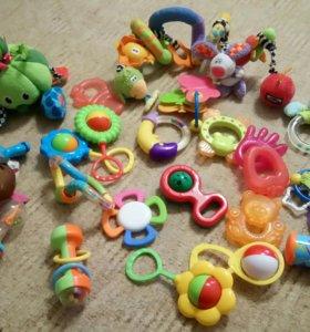 Пакет игрушек для малыша 0-1,5года