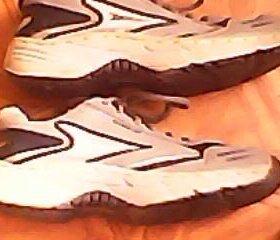 Кроссовки размер 44