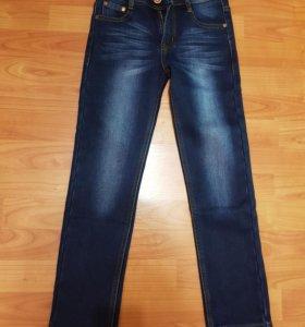 Новые джинсы на флисе р.134-140 оригинал!