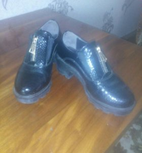 Туфли 38 р маломерки на 37