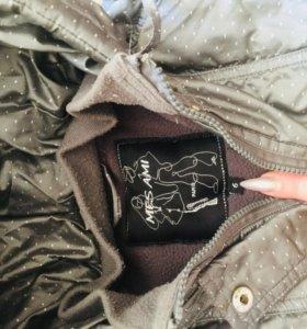 Куртка в отличном состоянии на девочку 6 лет PARIS