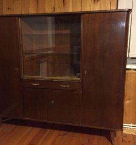 Ретро шкаф в отличном состоянии 70-х годов