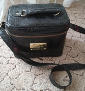 Кейс сумка для аксессуаров.Черная лакированная.