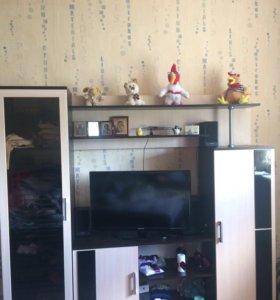 Стенка под телевизор и вещи