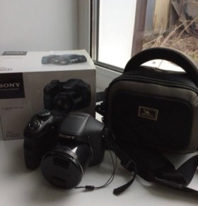 Цифровой фотоаппарат Sony Cyber-shot DSC-H200