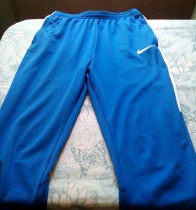 Спортивные штаны Найк