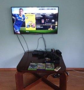 XBOX 360 e 250 гб Kinect два беспроводных джостика
