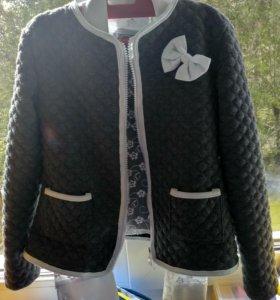 Школьные пиджак и блузка