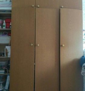 Шкаф и пенал.