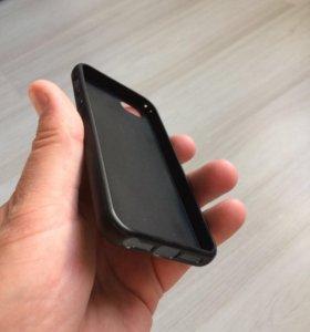 Чехол на Айфон 5/5S чёрный силиконовый.