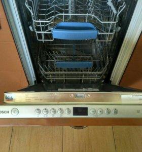 Встроеная посудомоечная машина
