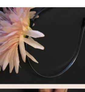 Обруч с цветком новый ! Для волос
