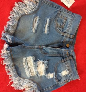 Новые женские шорты . Размер 25-26