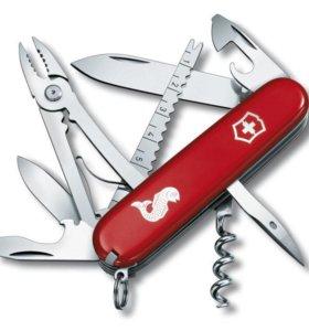 Нож перочинный Victorinox Angler 1.3653.72