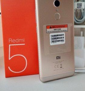 Сяоми redmi 5 5.7дюйма32/3GB+ 2 бампера и стекло