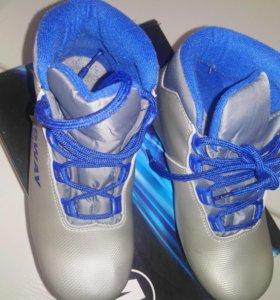 Лыжные ботинки детские б/у в отличном состоянии