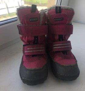 Зимние ботинки для девочки .