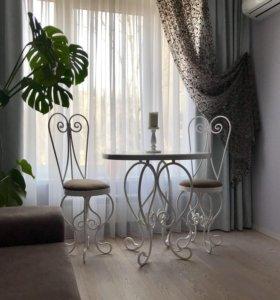 Кованный белый гарнитур лавочка, стол и стулья