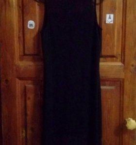 Классическое черное платье с кружевами
